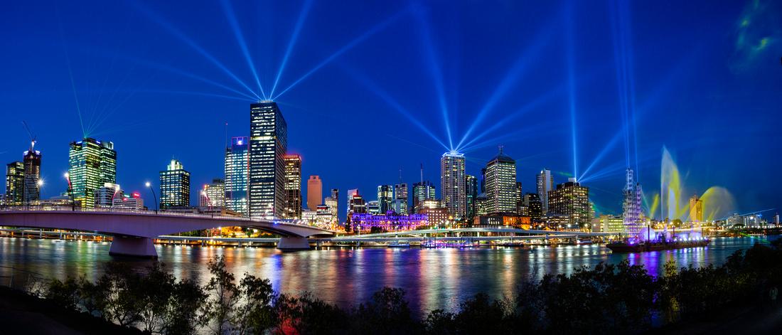 Santos GLNG City of Lights II 2012
